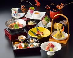 東北の地酒をお愉しみ頂けるコース。豊富に取り揃えた日本酒の中からお好きなものをご注文いただけます。