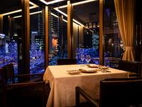 落ち着いた雰囲気の上質な空間で個性豊かな中華料理が味わえます