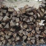 ガスではなく、薪で焼くから、味も香りも格段に違います!
