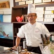 一つの食材から生み出される料理のバリエーションはとても豊富。「どんな料理で、どんな味わいなのか」常にお客様に好奇心を持っていただき、堪能していただくことこそが、料理人としての本望だと思っています。