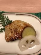 本物はそのものの味が一番。手を加え過ぎず魚の味を活かす調理法を・・・先代の教えが今も生きています。