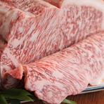黒毛和牛専門店【豚捨】の扱う伊勢牛は、生後30ヶ月以上十分に生育した未経産の雌牛のみ、十二分に旨みを蓄えた牛肉は、絶品。