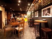 デザイナーズ × 肉バル La Fale 横浜西口店