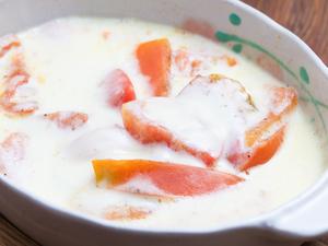 若い女性に大人気『トマトのチーズ焼き』