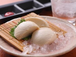 大豆の風味が豊かな『京都北山寄せ豆富』