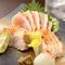 串焼き、お刺身と共に人気の逸品。『地鶏のタタキ~柚子風味~』