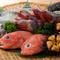 三陸の魚介を中心に、美味しい旬のネタを提供しています