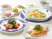 〈1日20食限定〉鮮度のよい食材がふんだんに使われているので、旬の味わいが楽しめます。オーナー手づくりの自慢のランチ。
