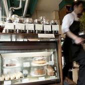 コーヒー豆やスイーツのテイクアウトもできます