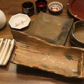 拘りの料理は有田焼・小石原焼・備前焼の器でお出しします。