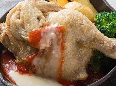 酔っ払い鶏の半身鶏(ニンニク醤油/トマトチーズ/デミ味噌)