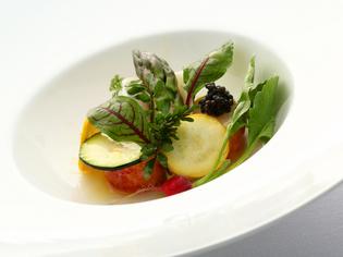 『オマール海老のポッシェと季節野菜のサラダ』