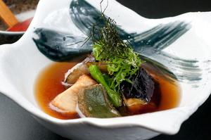 京都ならではの繊細な味『生麩と賀茂茄子の揚げ出し』