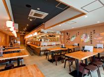 明るい店内で気軽に富山の味を楽しむ