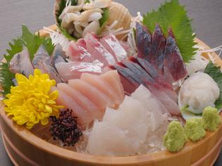 富山湾で揚がったばかりの旬の味を楽しむお造り『桶盛り 中』