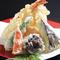 サクッと美味しい揚げたての『天ぷら盛り合わせ』