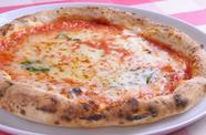 2種のイタリア産チーズを使ったピッツァの王道『マルゲリータ』