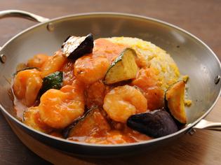 ぷりぷりの食感を楽しめる「エビチリ」とパラパラ「炒飯」