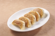 「パリッ」「プリッ」と最初の食感のあとにくる、「ジュワッ」とあふれる素材の旨味がたまりません。  6個入