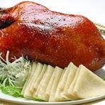 海老チリと海老マヨ、白身魚の蒸し物、海鮮スープ等が楽しめる全8品のコース。