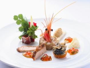 「オマール海老」をはじめとした新鮮な魚介類