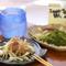 沖縄ならではのおつまみの数々を楽しみつつ泡盛を味わう