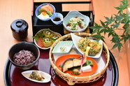 お寿司と天ぷらが一度に味わえる『寿司遊膳』