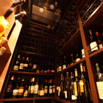 今まで出合った中でとっておきの1本は、「DRC リシュブール 1999」。果実味に富んだ魅惑的なフランス産の赤ワインです。百の花の香りを集めてきたような香りと果実味に溢れるリッチな味わい。ぜひお試しください。