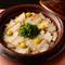 ぎんなんを添えて風流に『松茸の土鍋御飯』