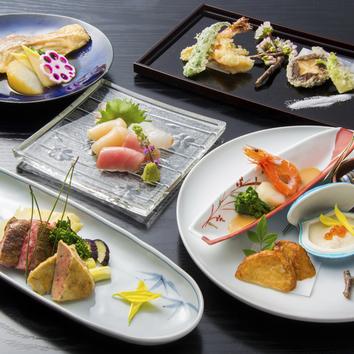 旬のお魚や牛ステーキなど、全7品と飲み放題付きコース