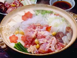選べる鍋コース4000円+税(飲み放題付き 5500円+税)より