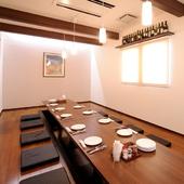 洋食系店舗にはめずらしい堀りごたつ式個室で、くつろぎ度アップ