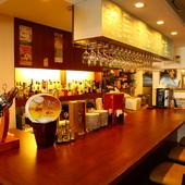 仕事や買い物帰りの「ちょい飲み」や、カフェ利用もできる立地