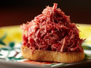 コンビーフの概念を覆す、これぞ【加藤牛肉店】の傑作!