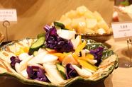 季節の野菜が盛りだくさんでヘルシーに食べられます♪
