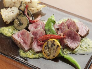力を入れているのは肉料理。店名の「29」も肉への思いから。