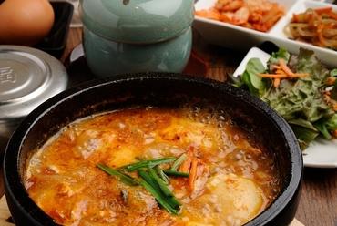 タッカンマリ 鶏1匹+野菜盛り合わせ (2名~4名でどうぞ)