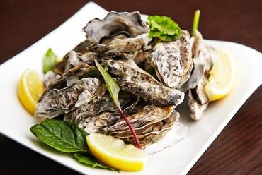 【期間限定】岡山県日生産 牡蠣の白ワイン蒸し