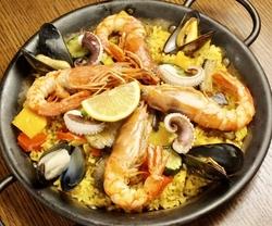 魚介料理、お肉料理の両方が味わえるダパウロの冬限定のパーティコースです。  ※飲み放題無し 税込5400円