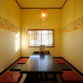 広めの半個室なら、プライベートな雰囲気で気兼ねなく