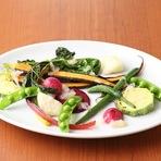 南アルプスの伏流水で育った新鮮野菜の料理が自慢です