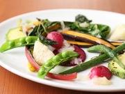 志太地域の農家から直接仕入れた野菜を使用。素材の味が全面に出るようにシンプルにローストしました。