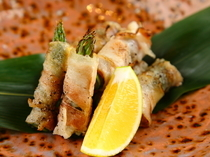 熊本県産あそび豚を使用『アスパラ豚巻あぶり大葉味噌の香り』