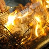 炭火で一気に焼き上げた『阿波尾鶏バラ焼き』