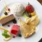 食後にぜひ! ケーキやアイスの『おまかせ盛り合わせ』