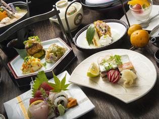 魚それぞれの個性を活かした料理を、コースでお楽しみください