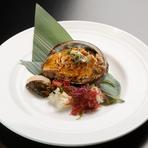 水揚げされたばかりの海の幸や旬の素材に料理人の技が光ります。