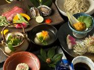 旬の素材から蕎麦寿司、十割蕎麦まで色々と味わえる『桜コース』