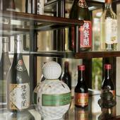 多彩なお酒が食事を一層楽しく、特に女性にはソーダ割りが好評