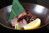 お肉の旨みと肉汁がジュワッと広がる『牛タン塩麹焼き』